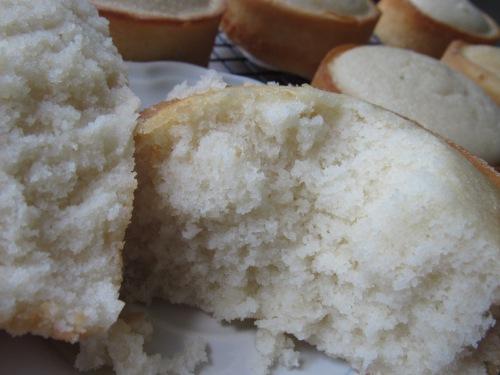 almond cake crumb