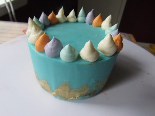 mini blue cake buttercream crown