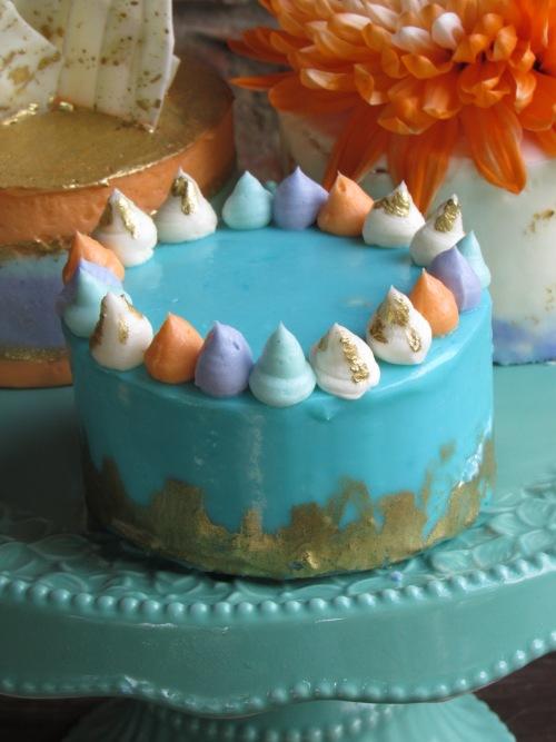 mini cake blue gold leaf